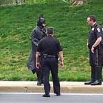 Politiet stoppa Batman: – Send Robin! – TV 2 Nyhetene