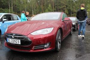 020913 Tesla model S